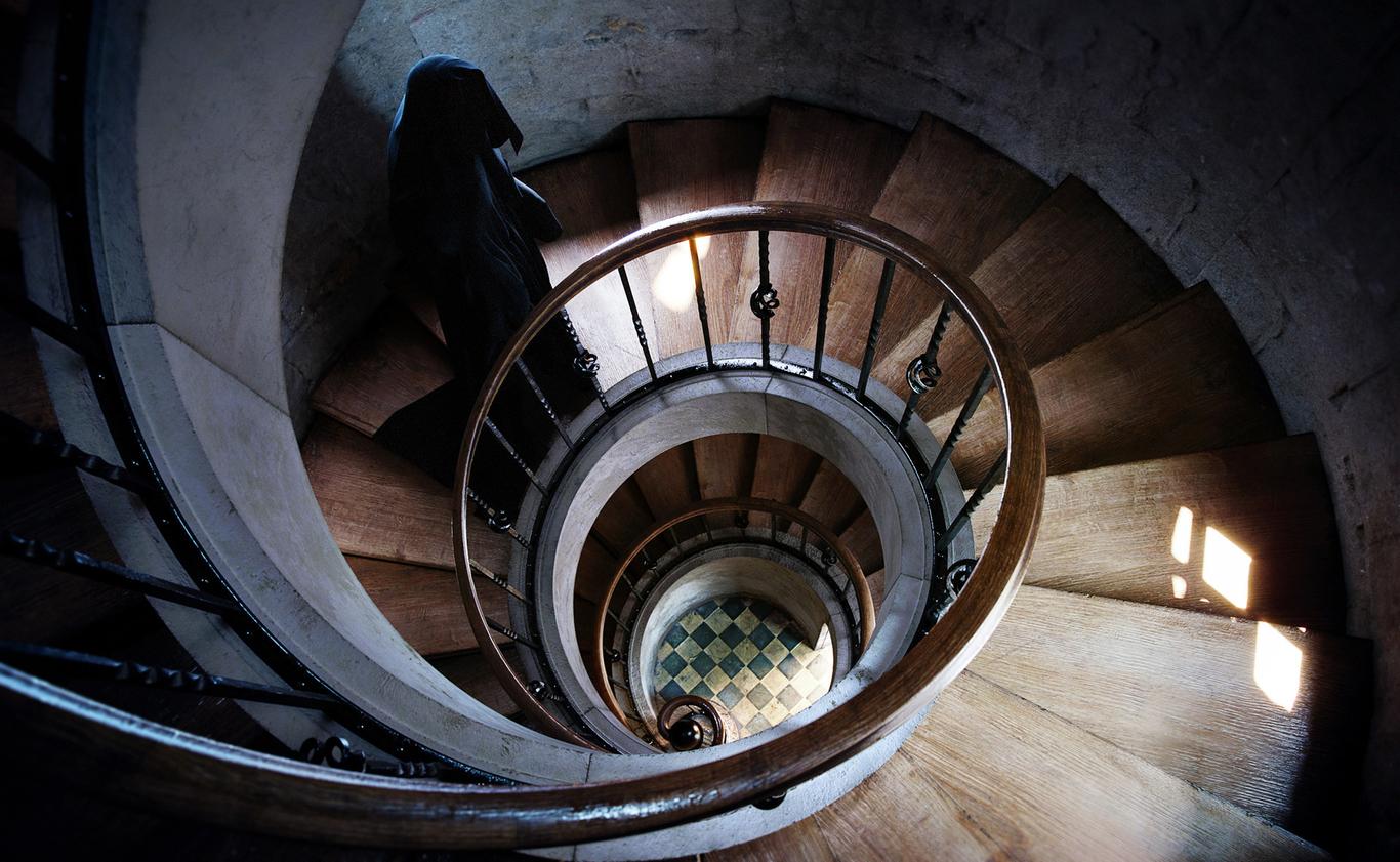 Latter spiral staircase 1 74e28bdc r15n